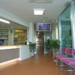 三宅歯科医院待合室1